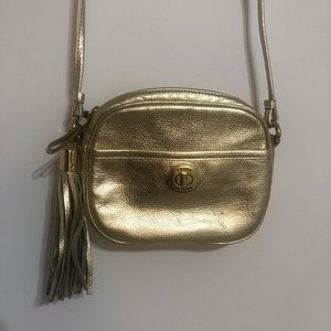 Tommy Hilfiguer Gold Crossbody